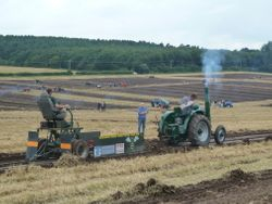 Field Marshall tractor pulling