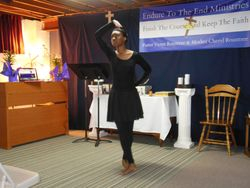 Sister Tiffany Worship the Lord in Dance