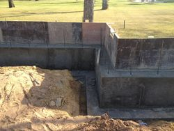 concrete walls on top of footer