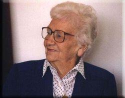 Mrs Gwen Broadley