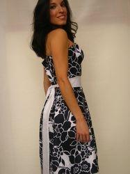 Back Navi and White Spring Dress
