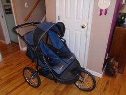 Baby Trend Expedition Double Jogging Stroller, Carbon - $100
