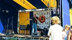 Performing at Viljandi Folk Festival, Estonia, 2004