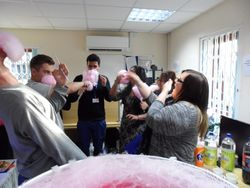 Employees appreciation day, team building, The candy floss challenge