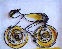 wielrenner voor aan de wand geel