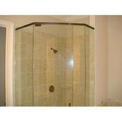 Lenox Manor - typ. shower