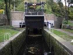Salterhebble Guillotine Lock rising