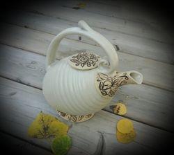 Creamy Teapot