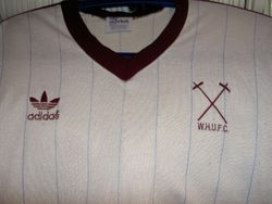 1984 away players shirt,