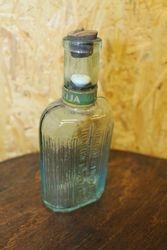 Prieskarinis Acto esencijos butelis. Kaina 8 Eur.