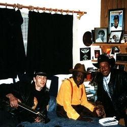 Hanging out at John Lee Hooker's room - 1997