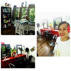 Zlata in the new Salon in Korotogo