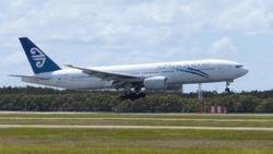 Air New Zealand Boeing 777-200 ZK-OKG