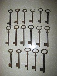 Senoviniai raktai. Kaina po 3 Eur.