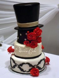 Holly wood Wedding Cake Inspired by Pink Cake Box