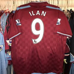 Ilan worn 2009/10 home shirt