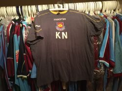Kevin Nolan training shirt