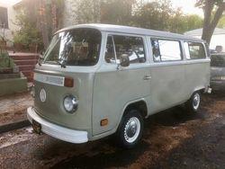 22.76 VW Bay Window Bus