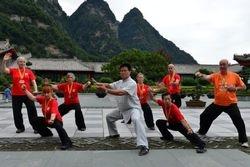 Master Wang Hai Jun and students