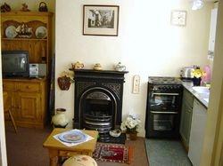 Wren cottage kitchen area