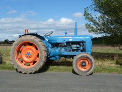 Fordson Super Major on the road run