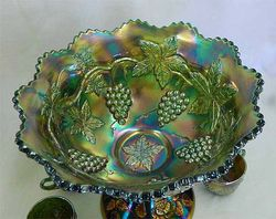 Wreath of Roses 8 piece punch set, green