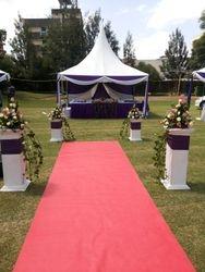 Purple and white wedding deco