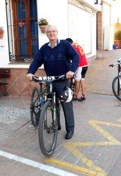On Yer Bike, Dennis