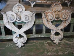 #16/098 Pair of Cast Iron Wall Anckers