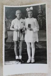 Pirmoji komunija.1942 metai. Kaina 3 Eur.