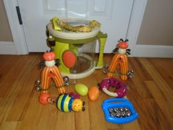 Parents Magazine Bee Bop Band Play & Learn Drum & Instruments - $10