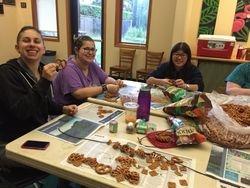 Designing pretzel necklaces