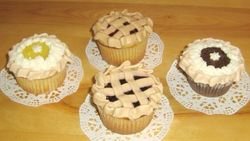 "Surprise ""Mini Pie"" Cakes"