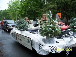 2009 Sno Drifters parade float