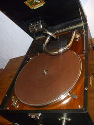 HMV Model 101 FW 8