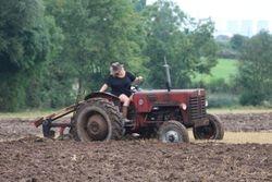 IH B250 ploughing