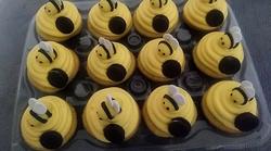 Cupcakes & Pop Cakes 36