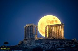 The Moon on Poseidon's Temple