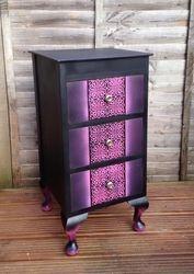 Black and hot pink nik nak drawers
