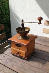 Antikvarine belgiska kavamale. Kaina 38