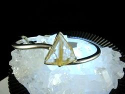 09-00124 Rutilated Quartz Triangle Sterling Circlet Bracelet