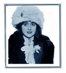 Mabel Normand  modeling