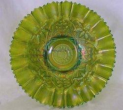"Wishbone 10"" piecrust edge bowl in green"