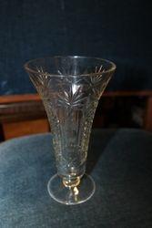 Stikline vazele. Kaina 11 Eur.