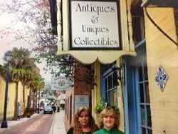 Antiques & Uniques