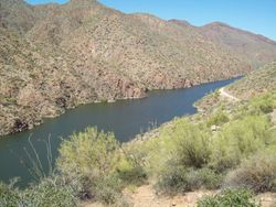 Roosevelt Lake, Apache Trail
