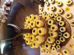 Sunflower Cupcakes with Stand