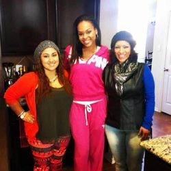 Demetria Spending Thanksgiving With Her Family! - Maddie, Dee Dee & Valerie