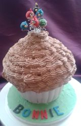 Angry Birds Giant Cupcake