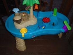 Step 2 Splish Splash Seas Water Table - $45